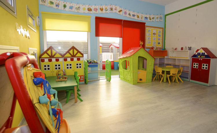 This spacious, bright classroom has all the materials and games needed, suitable for the children of that age.